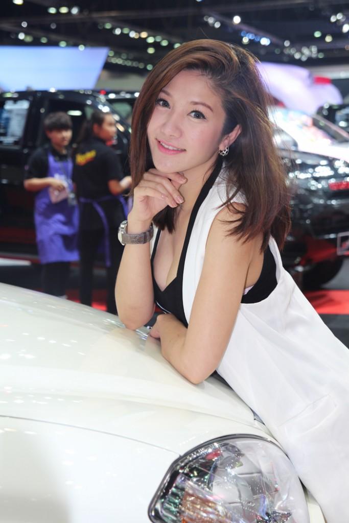 รวมภาพพริตตี้ สาวสุดเซ็กซี่จากงาน Motor Show 2014