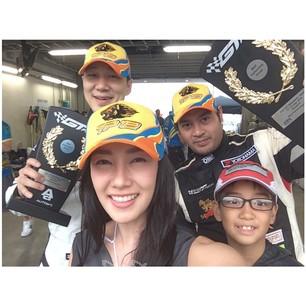 'นุ่น' เริ่ดเป็นภรรยาที่ดีให้กำลังใจ 'ต๊อด' ถึงญี่ปุ่น HAPPY FAMILY IN JAPAN