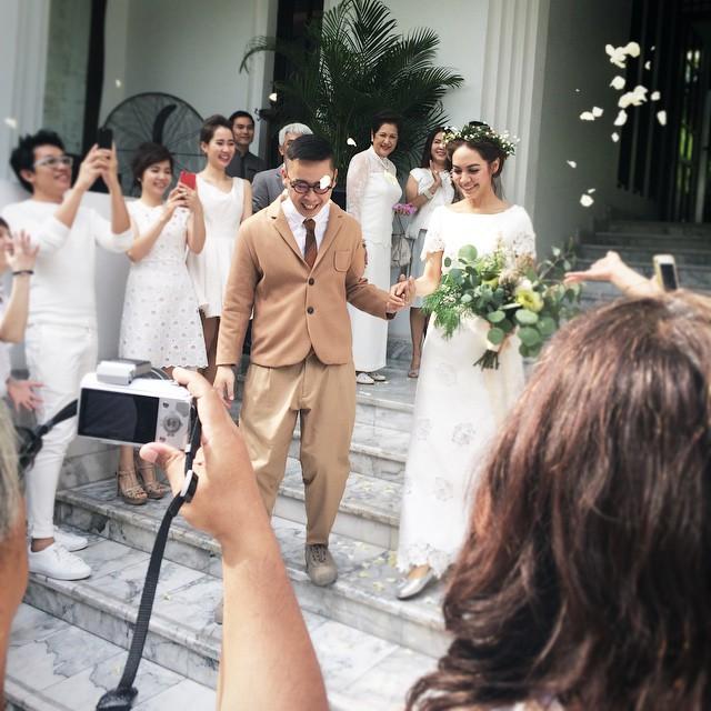 """แต่งงานสายฟ้าแลบ!!!""""เต๋า สโรชา""""  จูงหนุ่มนอกวงการเข้าพิธีวิวาห์"""