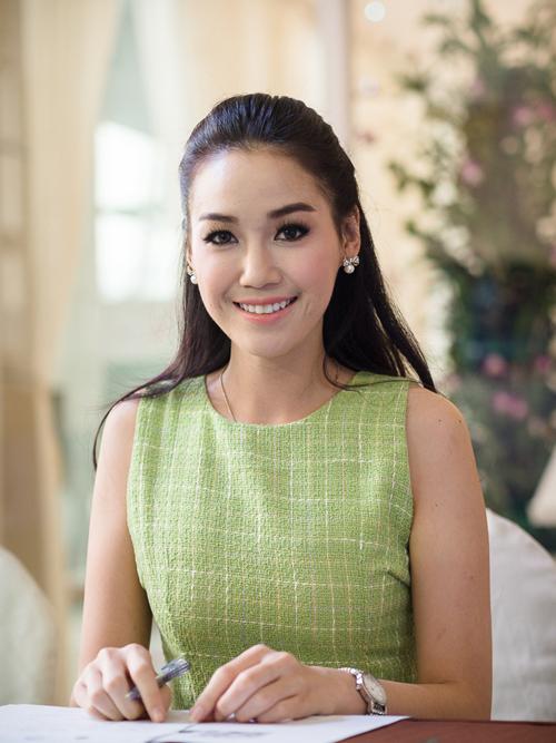 """เหล่าสาวงามผู้เข้าประกวด""""นางสาวไทย""""ปี2556"""