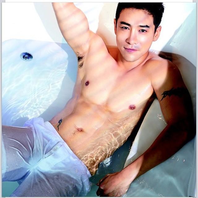 สุดยอด 7 นักร้องชายไทย เป้าเซ็กซี่ ร้อนแรงกระแทกใจ!!