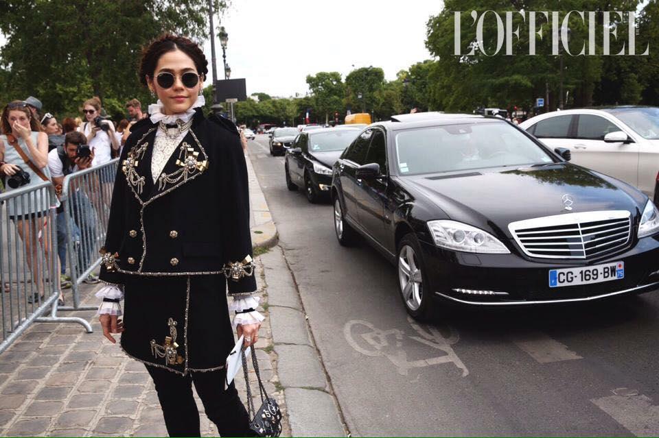 """เรียกน้ำย่อย!! """"ชมพู่-ใหม่"""" สวย เริ่ด เฉิดฉาย ในงาน Chanel ปารีส"""