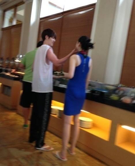 """สวีทหวาน!!!  ภาพหลุด  """"คิมวูบิน"""" กับแฟนสาว"""