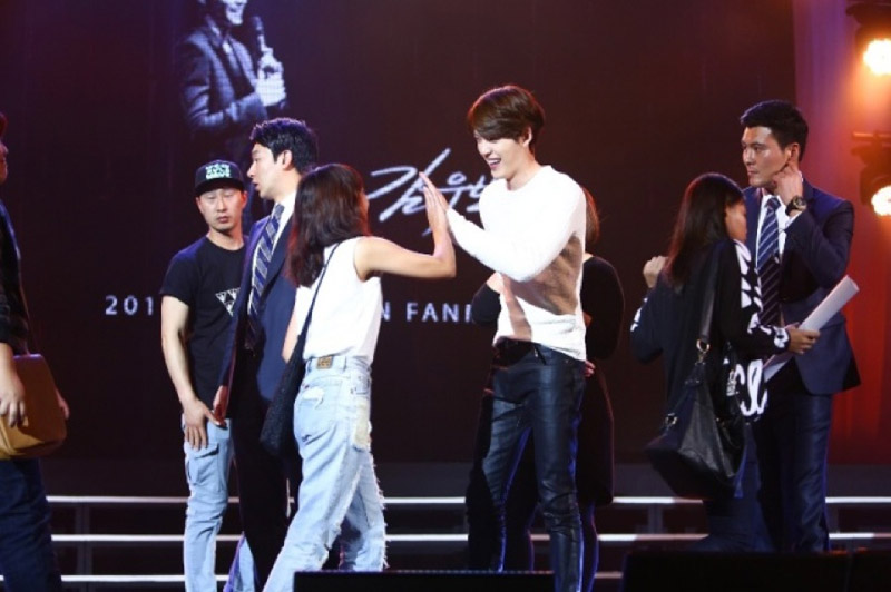 หล่อลากกก 'คิมวูบิน' Meeting Fan-club 'หัวใจละลาย