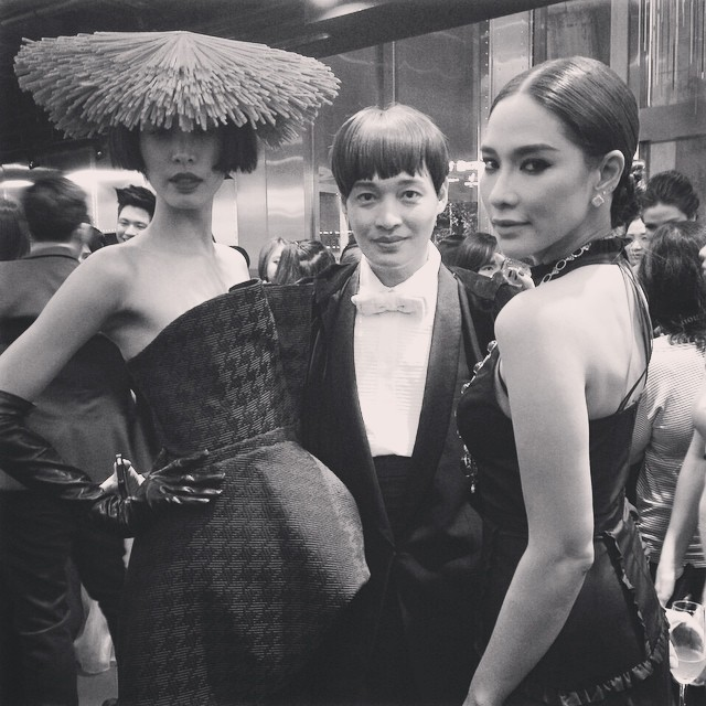 ดาราตบเท้าอวดโฉมในชุดสุดหรู  งาน 40 Year of Thai Fashion