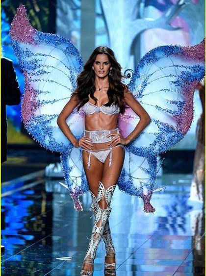 """สุดอลังการ """"Victoria's Secret Fashion Show 2014"""""""