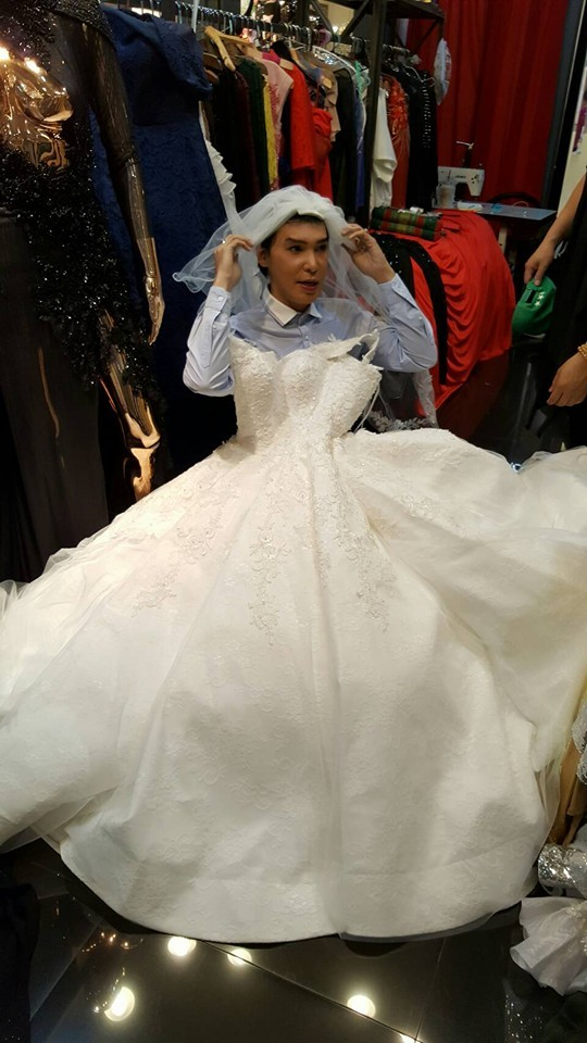 """อลังการ!! """"นาธาน โอมาน""""  ลองชุดแต่งงานแล้ว! อุต๊ะ"""