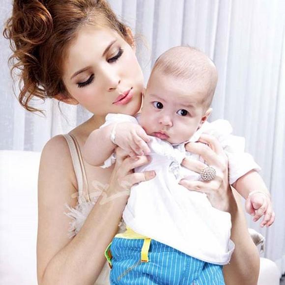 Single Mom แม่ลูกผูกพัน Cr.IG @pimpaka  IG @annie_teekayu Facebook แวร์ คนดี โซว  IG @tookchanokwanan ying_rhatha