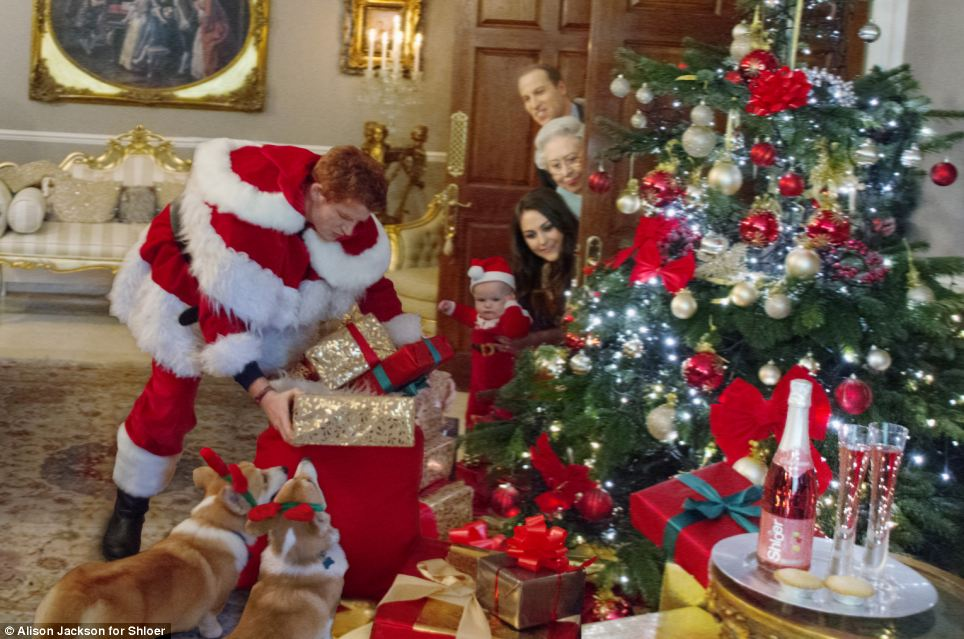 ภาพงานปาร์ตี้ คริสต์มาส ของราชวงศ์อังกฤษ