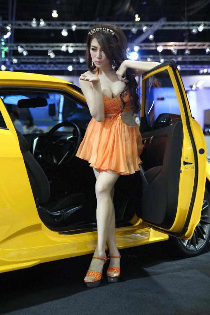 เหล่าพริตตี้ สาวสวยสุดเซ็กซี่งาน Motor Expo 2013