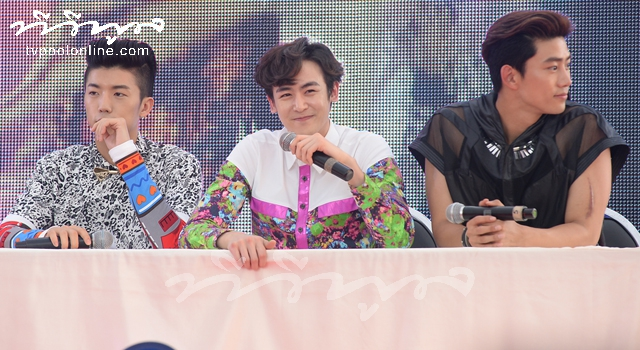 Interview with Hottest Idol '2PM'