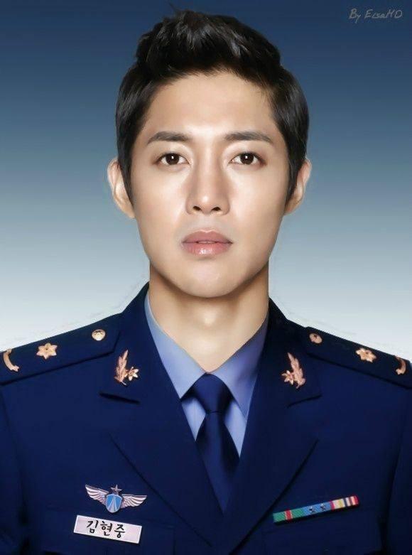 """""""คิมฮยอนจุง"""" เตรียมหนีข่าวฉาวเข้ากรมทหาร"""