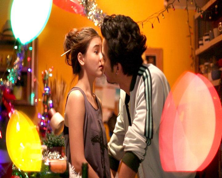 ฟิน! ออม – โย่ง จูบประเดิมฉากแรก ในละครซิทคอม 'จูบ kiss me'