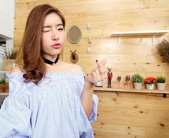 """อย่างฮา """"ดีเจนุ้ย-ดีเจเจมส์"""" สอนภาษาไทย """"จียอน"""" แบบนี้!!!! (ชมคลิป)"""