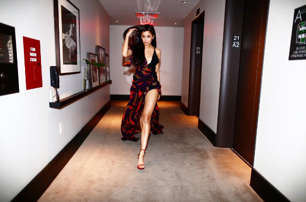 """สวยไม่แพ้กัน """"ปู ไปรยา"""" แต่งตัวคล้ายซุปตาร์ Kendall Jenner (เคนดัลล์ เจนเนอร์)"""