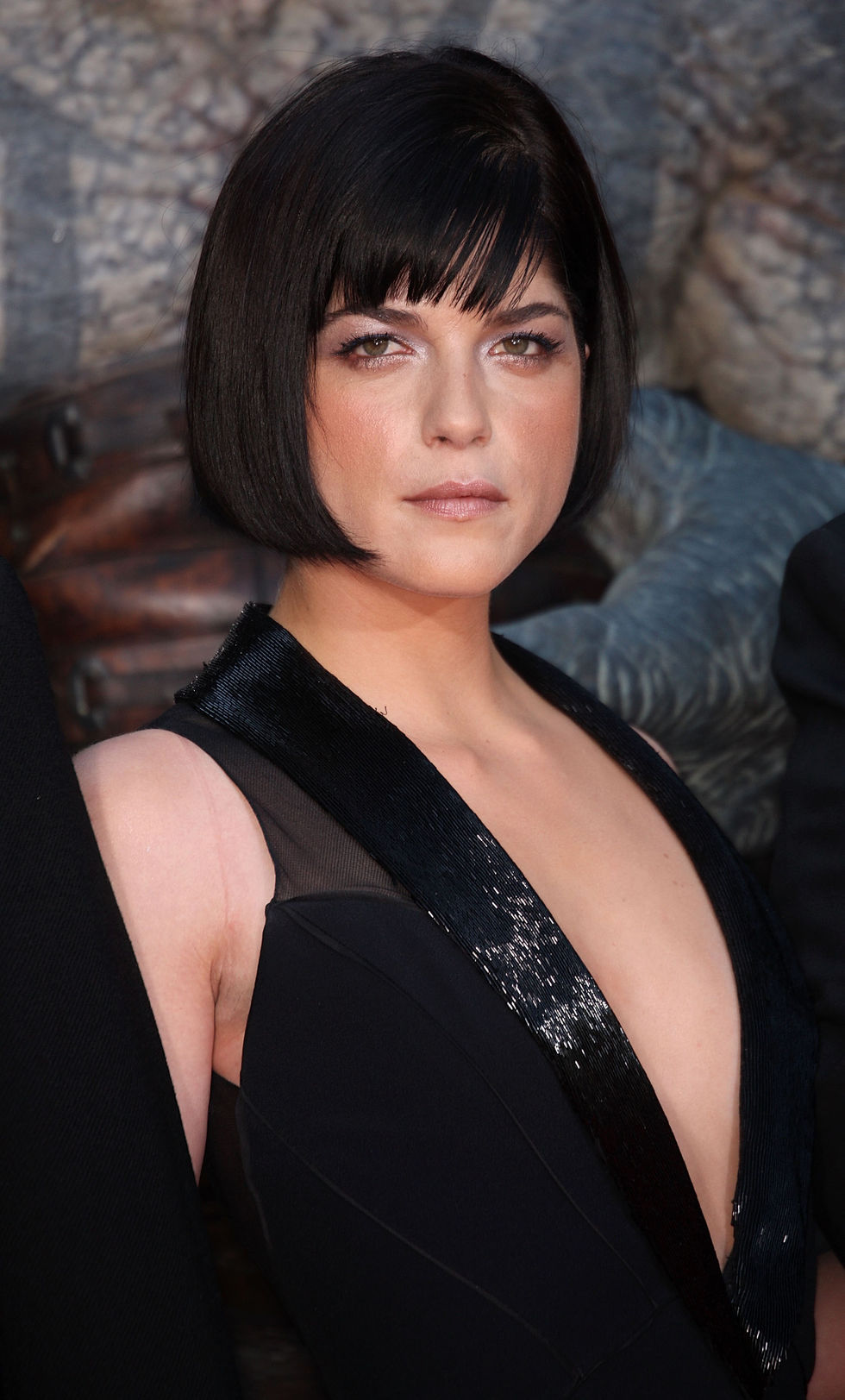 selma-blair-hellboy-ii-the-golden-army-premiere-in-los-angeles-01