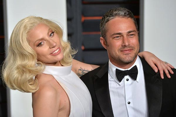 """Lady Gaga"" รักสะบั้น..เลิกแฟนหนุ่ม ""Taylor Kinney"" หลังคบกันมากว่า 5 ปี!!!!"