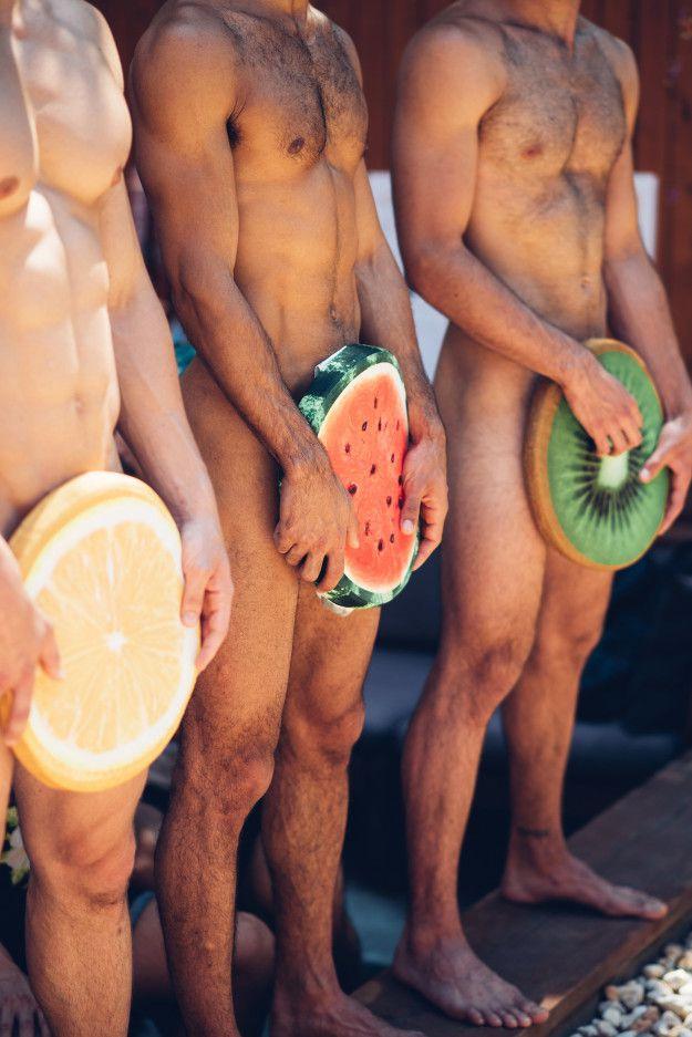 วาบหวิวสยิวกิ้ว! งานเฉลิมฉลองเทศกาล โดยการเพ้นท์ก้นหนุ่มสุดฮอต