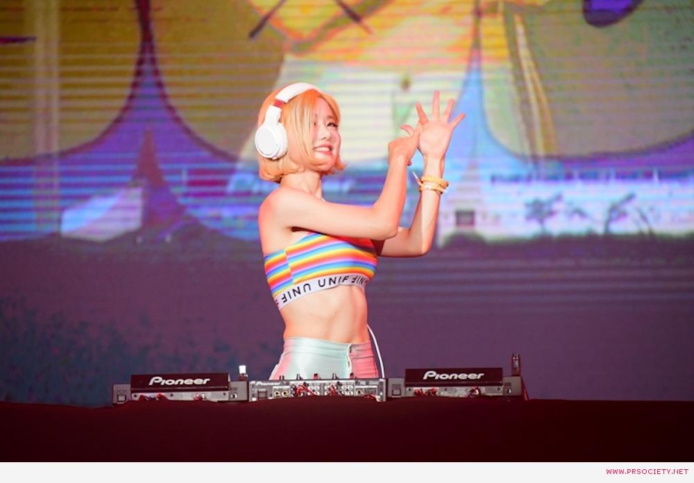 กระหึ่มทั้งฮอลล์!!  แฟนชาวไทย เกาหลี รวมเป็น 1 เหนียวแน่น!! สานสัมพันธ์แลกเปลี่ยนวัฒนธรรม!!!!