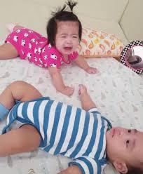 """เมื่อพี่สาวผมร้องไห้! มาดูสิ่งที่ """"น้องอลัน"""" ทำ หลังเห็น """"พี่อลิน"""" ร้องไห้ ทำเอาพี่สาวถึงกับหยุดร้องทันทีเลยทีเดียว!! (มีคลิป)"""