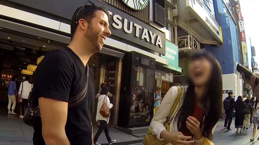 """บุคคลอันตราย!!! """"เตือนสาวไทย"""" ระวังหนุ่มมะกันหลอกลวงสาวมาเเล้วทั่วเอเชีย พร้อมทั้งถ่ายคลิปลงเว็บไซต์!!!"""