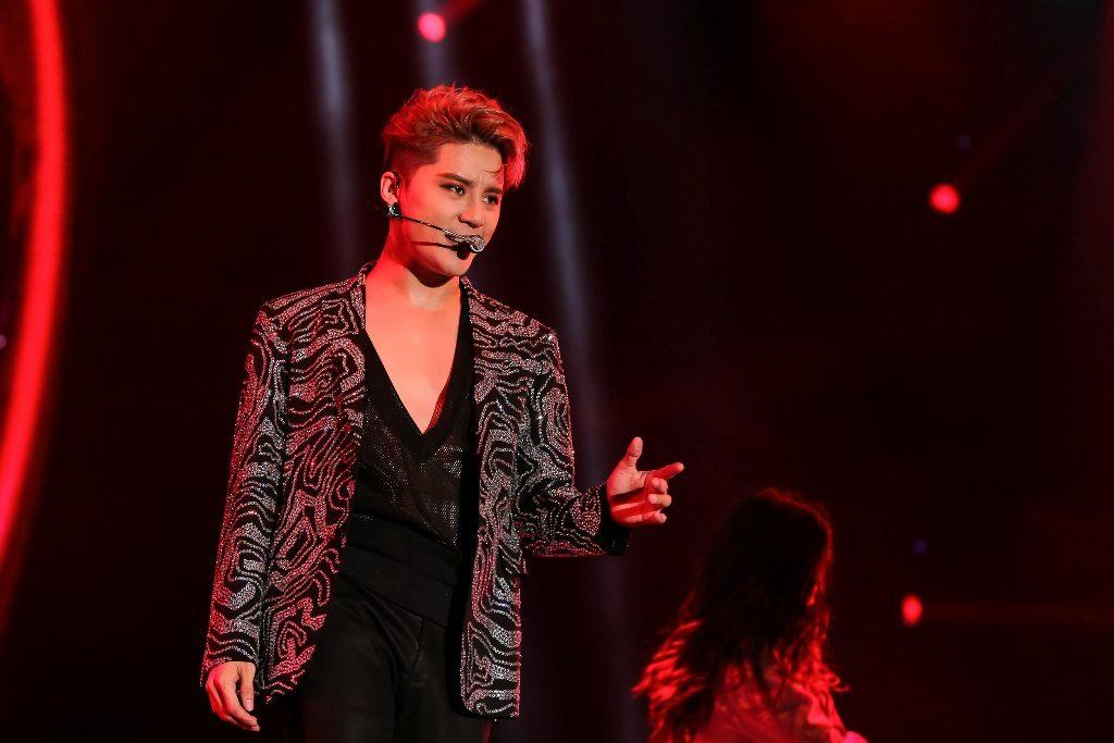 กรี๊ดฮอลล์แตก! 'Xia Junsu' ระเบิดความร้อนแรงในคอนเสิร์ตแห่งปี