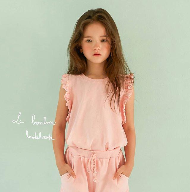 ส่องนางแบบตัวน้อย  Louie Tucker  ลูกครึ่ง เกาหลี – อังกฤษ น่ารักสุดๆ เหมือนหลุดมาจากนิยาย