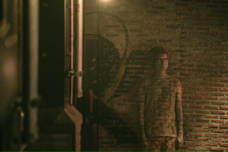 """""""เต๋อ"""" ยอมไร้ตัวตน ทำบอดี้เพ้นท์เป็นมนุษย์ล่องหน """"แฟนเดย์..แฟนกันแค่วันเดียว"""""""