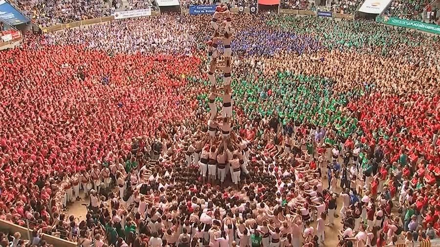 """ตื่นตาตื่นใจ!!! การแข่งขันต่อตัว หรือที่เรียกว่า """"หอคอยมนุษย์"""" ที่ประเทศสเปน!!!"""
