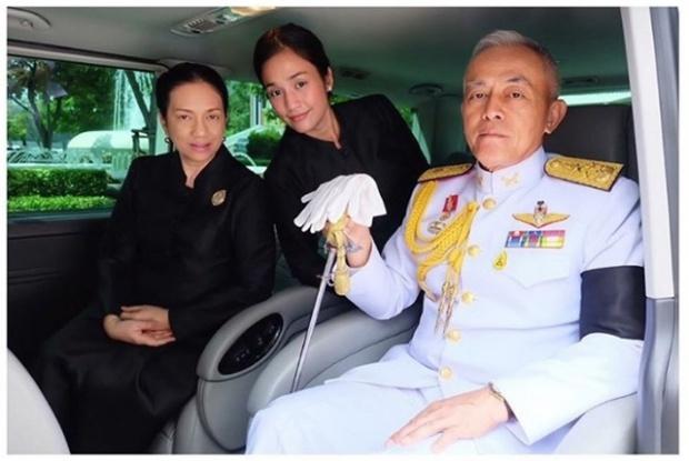 นายทหารยศสูงในภาพ ไม่ใช่ใครที่ไหน ที่แท้เป็นพ่อของนักแสดงสาวคนนี้เอง
