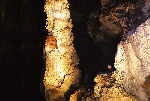 บุกถ้ำนาคี………ตามรอยละครดังแห่งปี