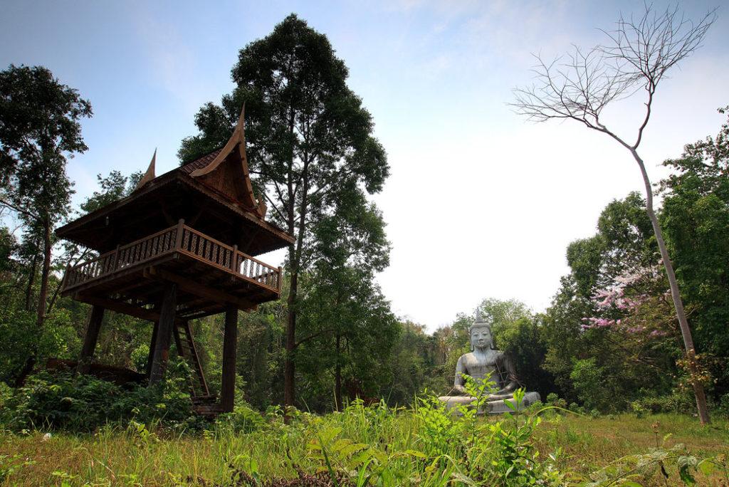 สุดอลังการ…!!! พระมหาเจดีย์ 500 ยอด ในเนื้อที่กว่า 400 ไร่ ที่วัดป่าสว่างบุญ จังหวัดสระบุรี