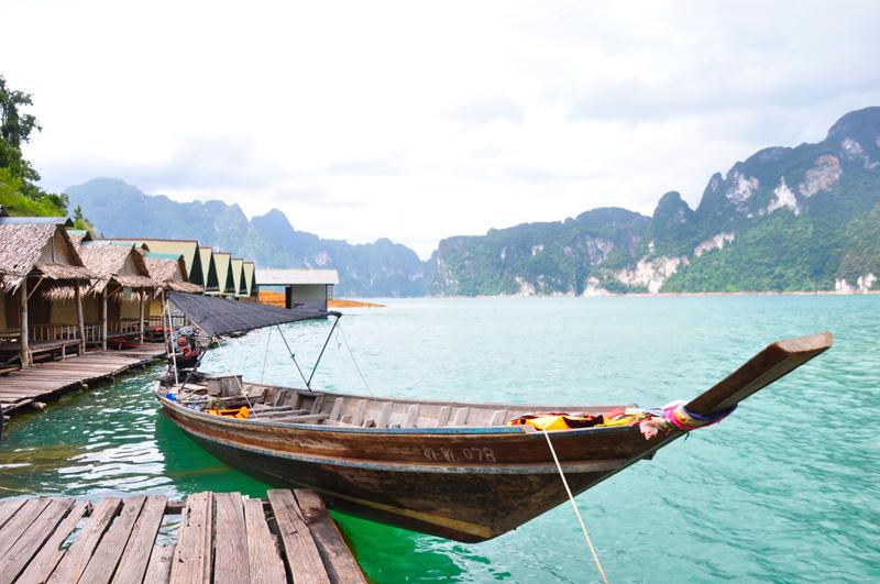 หนีร้อนไปนอนแพ…!!! เยือนกุ้ยหลินเมืองไทย ที่เขื่อนเชี่ยวหลาน