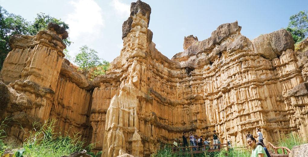 หน้าผาอัศจรรย์…!!! มหัศจรรย์ธรรมชาติ แกรนด์แคนยอนเมืองไทย จังหวัดเชียงใหม่
