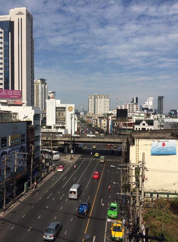 หาดูยาก…!!! ถนนกรุงเทพฯ โล่ง โปร่ง สบาย
