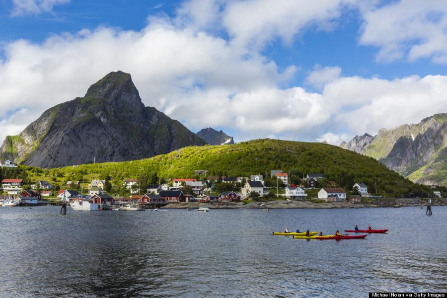 """เสน่ห์ที่น่าหลงไหล…!!!""""Reine"""" หมู่บ้านชาวประมงที่โรแมนติกและสวยที่สุดในนอร์เวย์"""