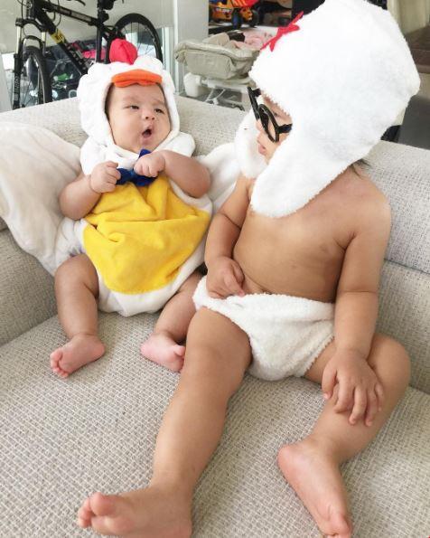 """เต็มที่เลยค่ะแม่!! เมื่อ """" แม่จูน """" จัดเต็มเสื้อผ้า """" ออเกรซ – ออกู๊ด """" งานนี้คอสตูมแน่นเอี๊ยด !!!"""
