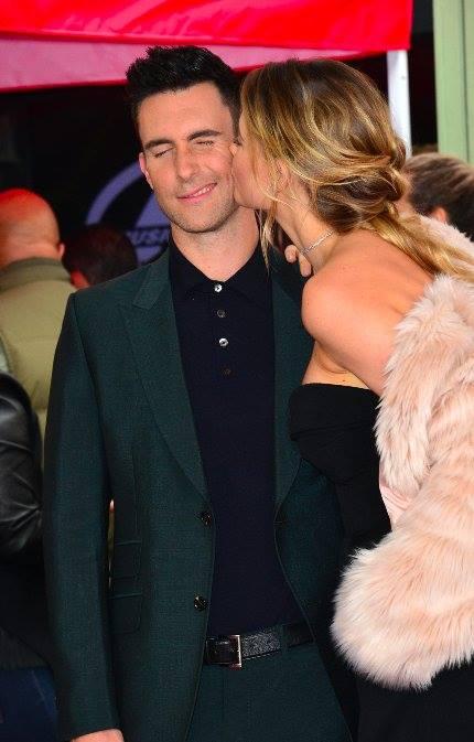 ส่องลูกสาว Adam Levine  จากพิธีประดับดาวบน Hollywood Walk of Fame