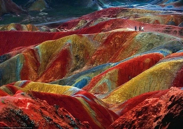 """สุดมหัศจรรย์…!!! สีสัน มรดกโลก """"อุทยานภูเขาสายรุ้งตันเซี๋ยแห่งเมืองจางเย่"""
