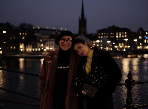 """สวีตกันไม่น้อย""""แจ๊ส ชวนชื่น""""ควง""""แจง แจงจิตร์""""เที่ยวยุโรป"""