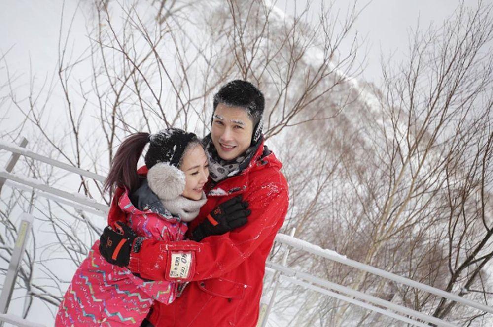 """""""กันต์"""" ควง """"พลอย"""" สวีทกลางหิมะที่ประเทศญี่ปุ่น! (ชมคลิป)"""