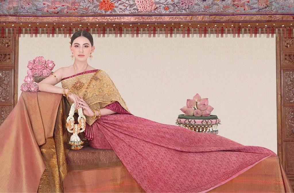 """งดงาม """"ใหม่ ดาวิกา"""" ถ่ายแฟชั่นชุดไทย สวยดั่งนางในวรรณคดี"""