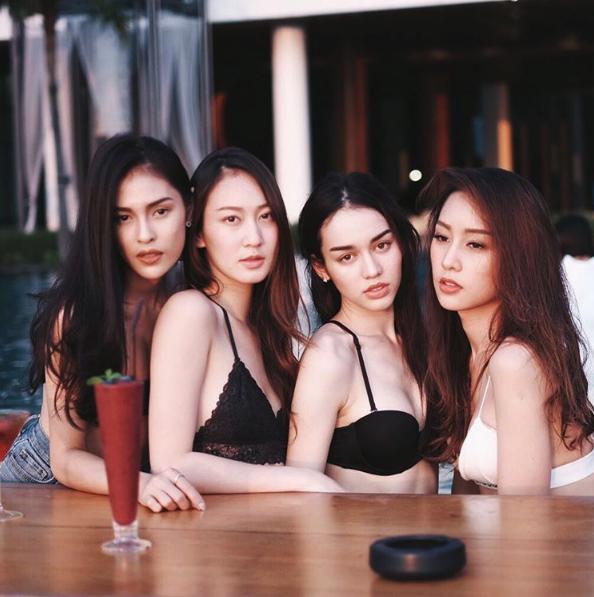 ส่องภาพ! 5 สาว ทีมบี โชว์แซ่บในชุดบิกินี่!!!