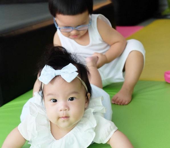 """ส่องภาพความน่ารัก """"น้องออเกรซ"""" ลูกสาว """"แม่จูน-พ่อเปิ้ล"""""""