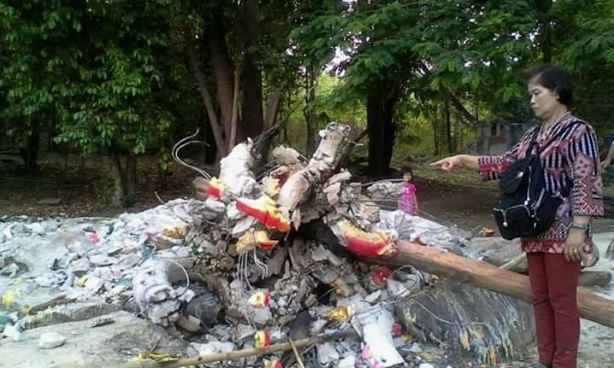 ชาวบ้านรุมสาปแช่ง คนใจบาป ทำลายรูปปั้นพญานาคที่ถ้ำภูผาแดง