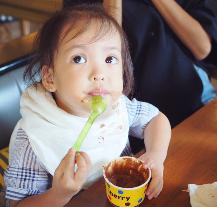 """ส่อง 10ภาพ!!!""""น้องณิลลา"""" ลูกสาวสุดน่ารักของ """"แบงค์-ไอซ์""""ในวัย 2 ขวบ!!!"""