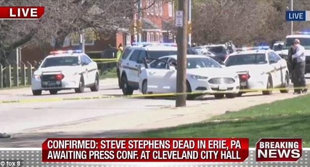 """จนมุมเเล้ว!!! หนุ่มมะกันมือยิงคนตายผ่านไลฟ์เฟซบุ๊ก """"ยิงตัวตาย"""" ขณะขับรถหนีตำรวจ!!!"""