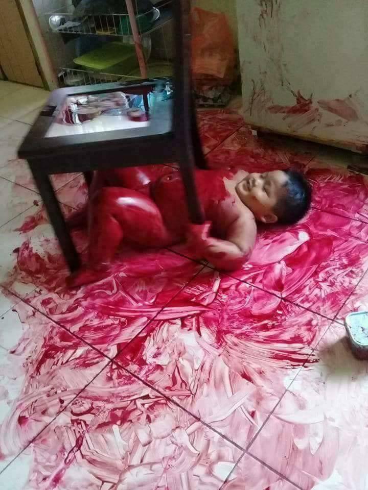 แทบช็อก!!!! เมื่อแม่กลับมาบ้านเห็นเลือดสาดกระเด็นเต็ม2พี่น้อง