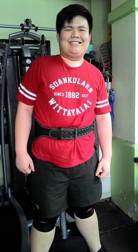 สุดยอด! หนุ่มอ้วนพุงย้อย 155 กิโล ลดน้ำหนักเหลือ 80 กิโลภายในเวลาปีเดียว