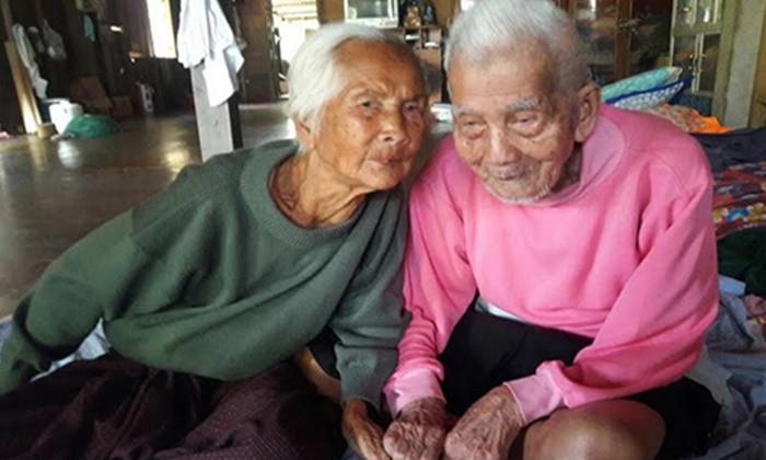 """""""พ่อเฒ่า"""" 6แผ่นดิน 108 ปี สิ้นแล้ว  ภรรยาวัย 104 ปี บอกเคล็ดลับอายุยืน…?"""